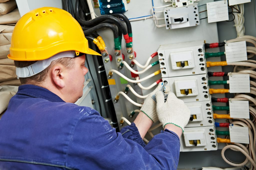 Hire the Right Electrical Contractor for a Commercial Construction Project